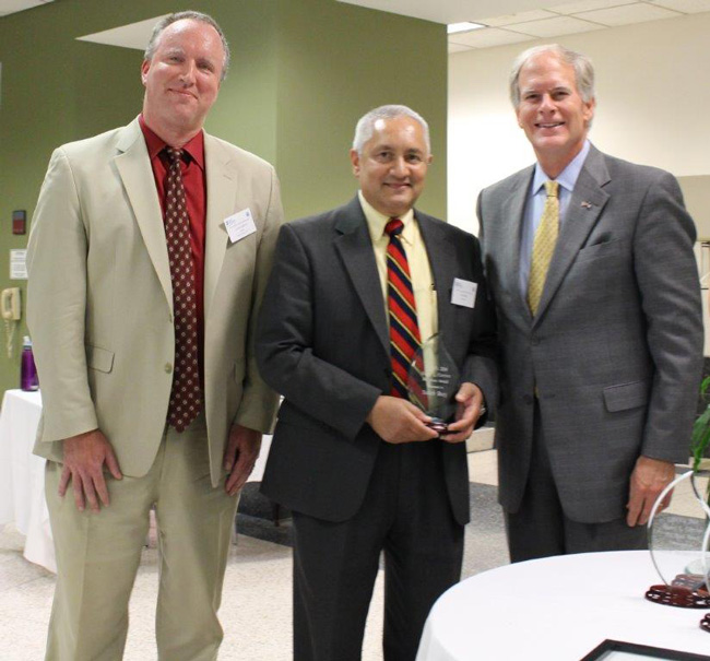 Presentation of LSNV's Harry L. Carrico Pro Bono Award, 2014.